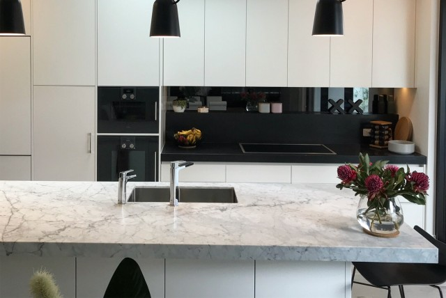 WK Marble - Cararra Marble, Honed